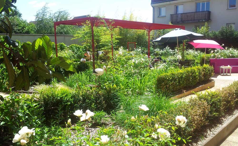 Antony 92 rocher rouge paysagistes - Rocher decoratif pour jardin ...